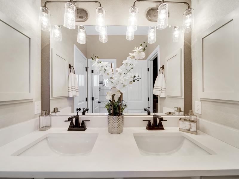 Tuscany Model Home - Upstairs Bathroom 2