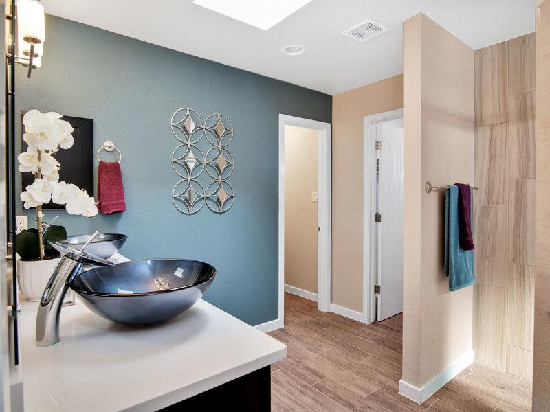 Weston - Master Bathroom
