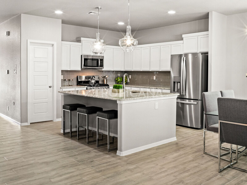 Katharine model home - Kitchen and dining room