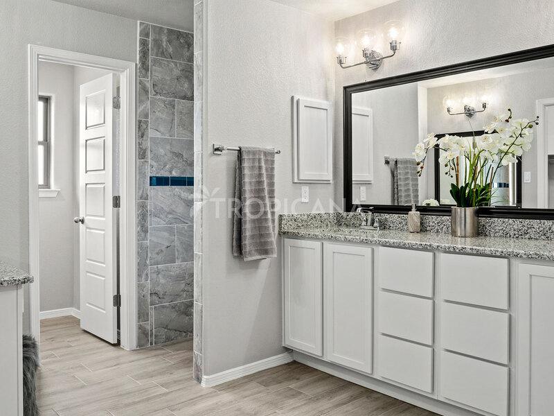 Katharine model home - Master bathroom