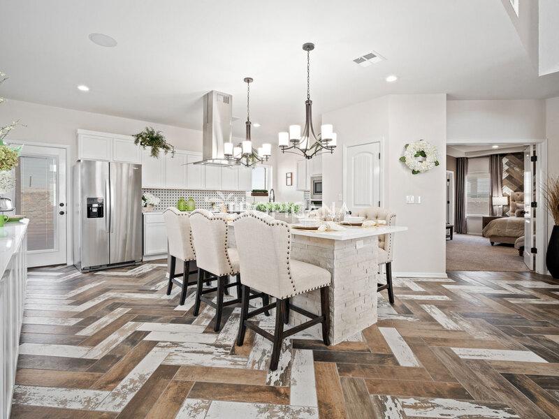 Eastlake model home - Kitchen and dining room