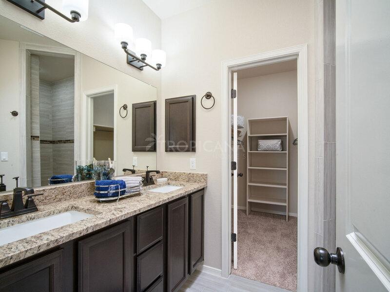 Bryan model home - Master bathroom